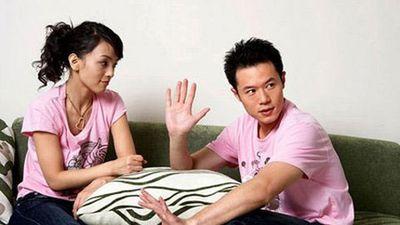 Giận vợ vì đem chuyện sắm Tết bên chồng tốn kém kể với em gái