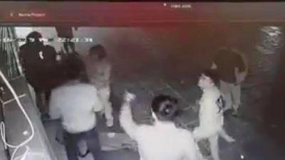 Đã xác định được nhóm thanh niên trêu ghẹo, hành hung cô gái bất tỉnh ở Hà Nội