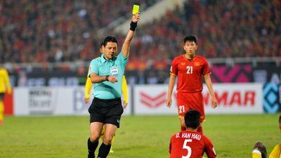 Trọng tài từng rút 6 thẻ vàng phạt tuyển Việt Nam tại chung kết AFF Cup 2018, cầm còi trận 1/8 với Jordan
