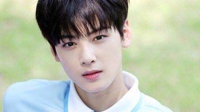 Cận cảnh nhan sắc 'hoàng tử truyện tranh' xứ Hàn, đẹp đến mức không có góc chết