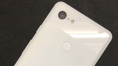 Lộ video trên tay Pixel 3 Lite: Đối thủ xứng tầm của iPhone Xr