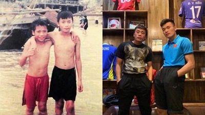 Tuyển Việt Nam khoe ảnh 'Thử thách 10 năm' khiến dân mạng cười té ghế