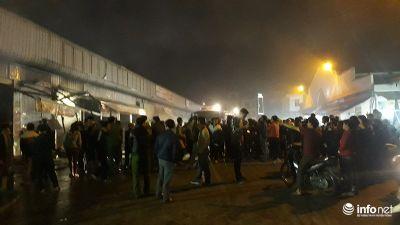 Thanh Hóa: Cháy chợ đầu mối trong đêm, hàng loạt ki ốt bị thiêu rụi