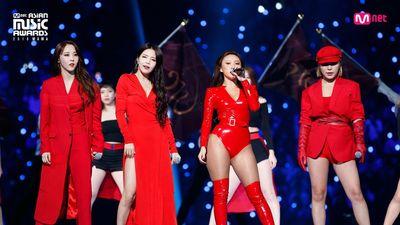 Rộn rã loạt sân khấu âm nhạc Kpop: BTS - EXO hay BlackPink có màn khép lại năm qua rực rỡ nhất?