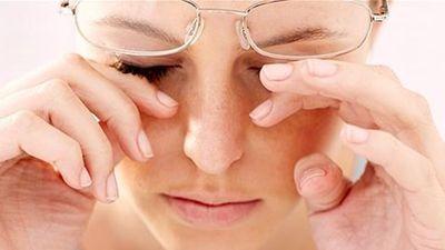 Mẹo nhỏ tránh khô mắt trong mùa giá lạnh
