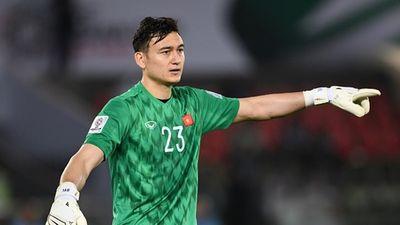 Đang dự Asian Cup, Đặng Văn Lâm vẫn dành thời gian dạy tiếng Nga cho fan