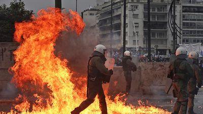 Thủ đô Hy Lạp bùng phát bạo loạn vì Macedonia