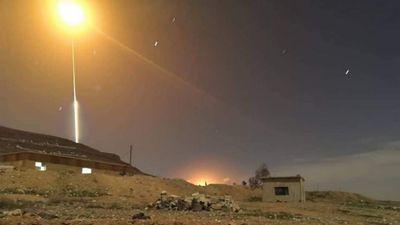 Israel liên tục tấn công mục tiêu 'Iran', phòng không Syria vất vả đối phó