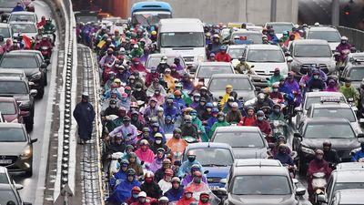Hà Nội ùn tắc từ ngõ ra phố những ngày gần Tết Kỷ Hợi 2019