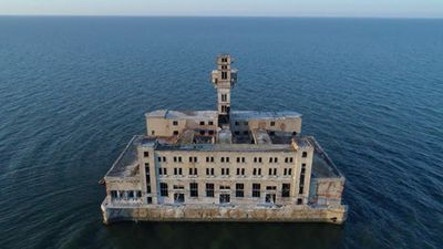 Cơ sở thử vũ khí của Liên Xô 'cô quạnh' giữa biển
