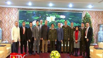 Hội thánh Tin Lành Hà Nội chúc Tết CATP Hà Nội