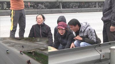 Tai nạn Hải Dương: Cầu đi bộ dẫn thẳng xuống lòng đường an toàn ở đâu?