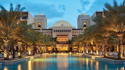 Bên trong khách sạn xa xỉ nhất Dubai, nơi ĐTVN ở trước trận gặp Nhật Bản