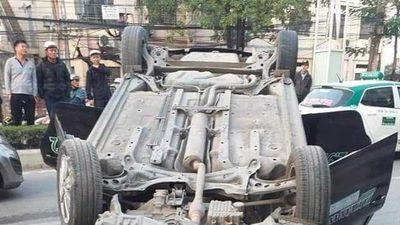 Clip: Nữ nhà thơ ở Hải Phòng thoát chết sau tai nạn giao thông kinh hoàng
