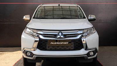 Mitsubishi Pajero Sport giá 980 triệu 'đấu' Toyota Fortuner tại VN