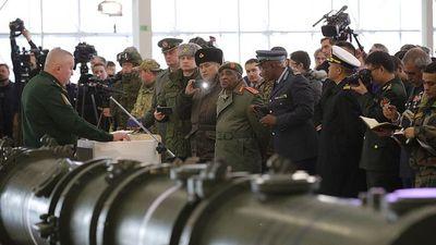 Bị Mỹ đòi hủy tên lửa, Nga mở họp báo 'ba mặt một lời'