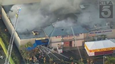 Cháy lớn ở thương xá Phước Lộc Thọ của người Việt tại Mỹ