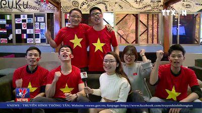 Người hâm mộ Việt Nam tiếp thêm sức mạnh cho đội tuyển