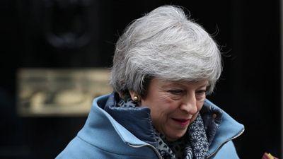 Thủ tướng Anh lại mất mặt vì Brexit