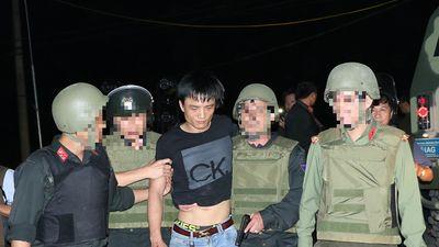 Hành trình vây ráp nghẹt thở, bắt nhóm buôn ma túy ôm lựu đạn cố thủ trong xe ô tô ở Hà Tĩnh
