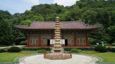 Khám phá ngôi chùa nổi tiếng nhất Triều Tiên