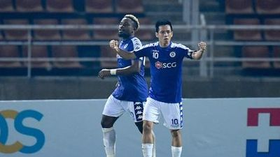 Văn Quyết dứt điểm đẳng cấp tung lưới đội bóng Trung Quốc