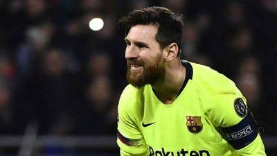 Lyon 0-0 Barcelona: Messi đá phạt hỏng từ cự ly 18 m