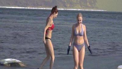 Rét run khi xem 4 cô gái mặc bikini xinh đẹp tắm nước đóng băng