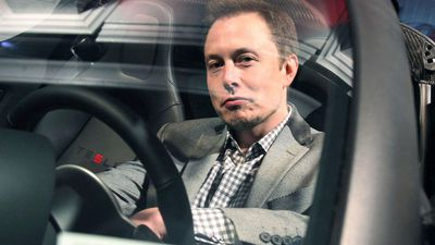 Elon Musk khẳng định Tesla tránh xa tiền mã hóa