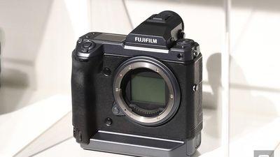 Medium Format GFX 100: Quái vật 'siêu phân giải'