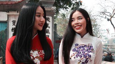 Giới trẻ gợi ý ông Trump ăn kem hồ Tây, uống trà đá khi tới Hà Nội