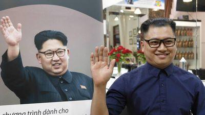 Trải nghiệm trở thành 'bản sao' của Kim Jong Un sau 10 phút ở Hà Nội