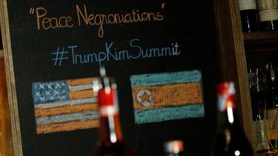 Nhấm nháp 'cocktail đàm phán hòa bình' nhân thượng đỉnh Mỹ - Triều ở Hà Nội