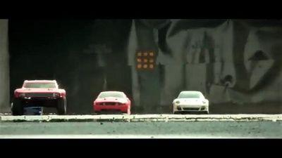 Màn rượt đuổi tốc độ như trong phim của các 'siêu xe' mini