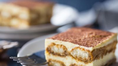 Cách làm bánh tiramisu thơm ngậy vị cà phê không cần lò nướng