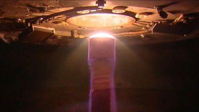 Mọi phi thuyền NASA đều phải qua đường hầm siêu nhiệt này