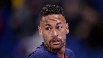 Neymar đối diện án cấm thi đấu của UEFA