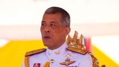 Sát giờ bỏ phiếu, vua Thái bất ngờ kêu gọi cử tri bầu cho 'người tốt'
