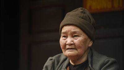 'Hổ thẹn với những hư vinh chùa Ba Vàng chạy theo'