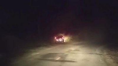 CLIP: Tài xế ngủ gật, xe Ford Everest lao xuống vực ở Bình Thuận