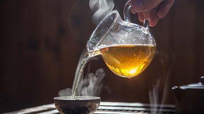 Uống trà quá nóng dễ bị ung thư?