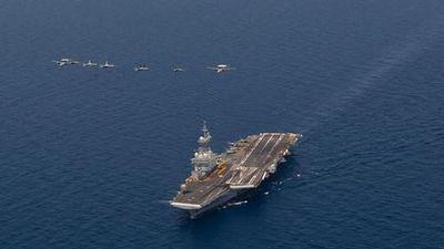 Tàu sân bay duy nhất của Pháp kéo vào biển Đỏ tập trận