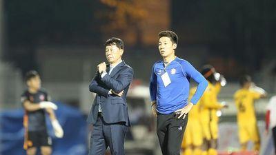 TRỰC TIẾP TP.HCM - VIETTEL: Cuộc đấu trí giữa những HLV người Hàn ở đấu trường V.League