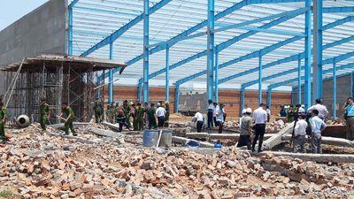 Sập tường công trình ở KCN Hòa Phú, Vĩnh Long: Thêm 1 nạn nhân tử vong