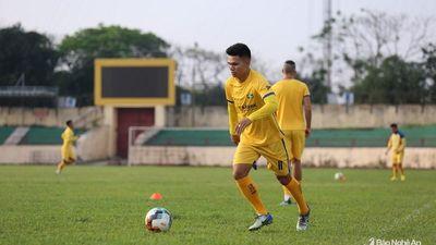 Phạm Xuân Mạnh hào hứng tập luyện trở lại cùng SLNA