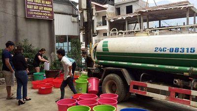 Nửa triệu một khối nước, chủ khách sạn Sa Pa xếp hàng mua suốt đêm