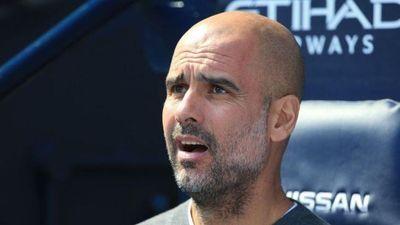 Pep Guardiola khẩu chiến Solskjaer trước thềm derby Manchester