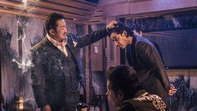 'Trùm, Cớm và Ác Quỷ' đứng đầu phòng vé Hàn Quốc ngay tuần đầu tiên ra mắt, cán mốc 1 triệu khán giả chỉ sau 4 ngày