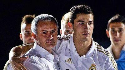 Lộ bằng chứng Ronaldo rủ Mourinho sang Juventus