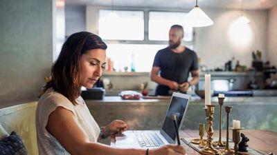 8 việc làm ở nhà vẫn nhận mức lương khủng hàng năm